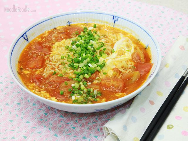 Sopa estilo casero de tomate y huevo